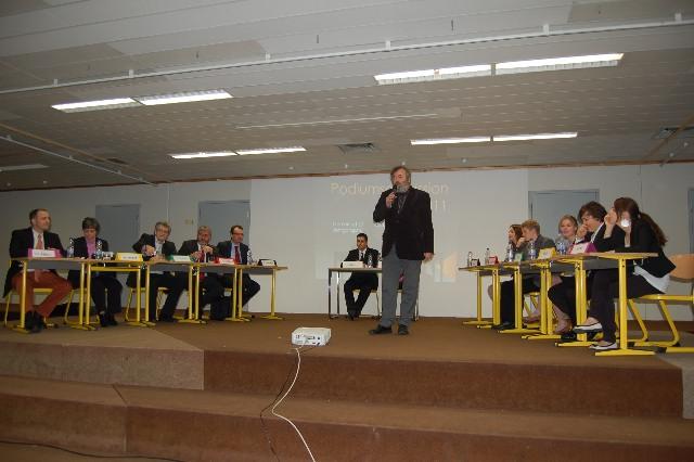 Schüler testen Landtagskandidaten