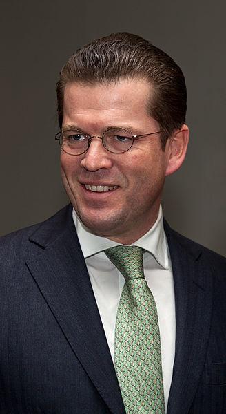 Verteidigungsminister zu Guttenberg ist zurückgetreten