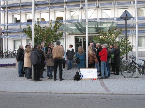 Über 500 Menschen bei Mahnwachen in Rhein-Neckar-Gemeinden