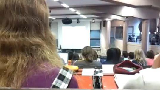 """""""Weil ich den verfickten RCDS zum Kotzen finde"""" – youtube-Video zeigt angeblich Flashmob und Reaktion von Professor"""