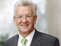 Ministerpräsident Winfried Kretschmann schreibt S21-Gegnern auf Facebook