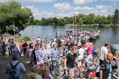 Lebendiger Neckar veranlasst schönen Sonntag