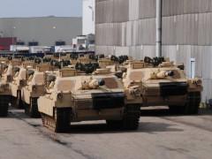 Panzer und Ausrüstung im Rheinauer Hafen