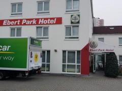 Ebert-Park-Hotel wird Ende Oktober mit 197 Flüchtlingen belegt