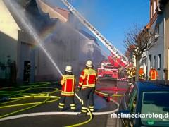 Sieben leicht verletzte Personen bei Küchenbrand
