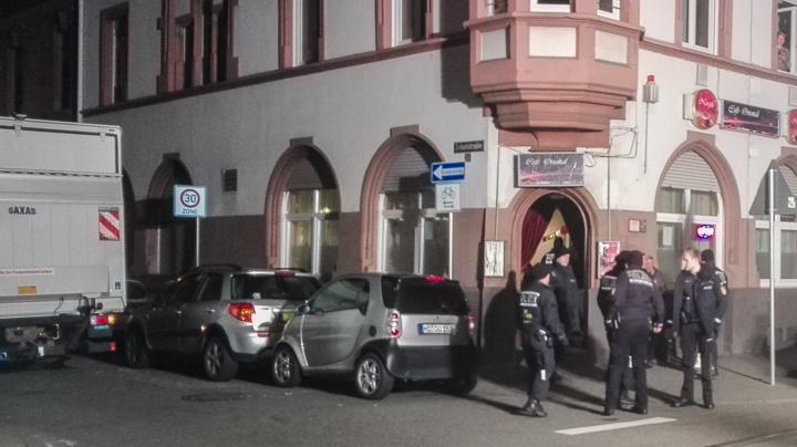Polizei Mannheim Neckarstadt West Zugriff Mittelstraße-210845