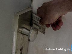 Einbrecher dringen in Wohnung ein