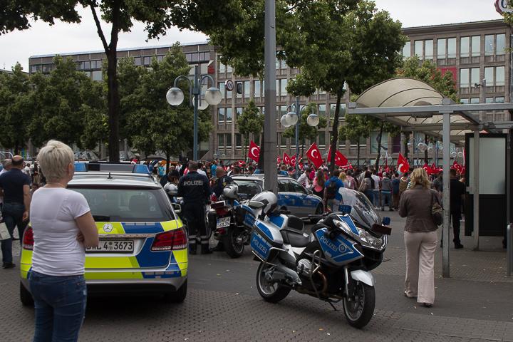Demo Tuerken nach Militaerputsch Paradeplatz Mannheim-16. Juli 2016-IMG_8575