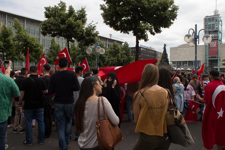 Demo Tuerken nach Militaerputsch Paradeplatz Mannheim-16. Juli 2016-IMG_8584