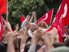 Allahu Akbar-Rufe nationaler Türken