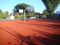 Skateboard- und Basketballanlage für alle
