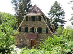 Historische Gebäude der Odenwaldschule stehen zum Verkauf