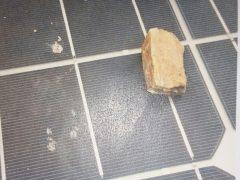Solardraisine mit Stein beschädigt