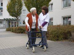 Mehr Beratung in Pflegestützpunkten