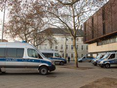 Massiver Polizeieinsatz schützt OEG-Schläger-Prozess