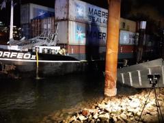 Schiffsunfall auf dem Rhein nähe Neckarmündung