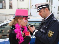 Friedliche Faschingsumzüge in der Region – einige Polizeieinsätze bei den Anschlussfeiern