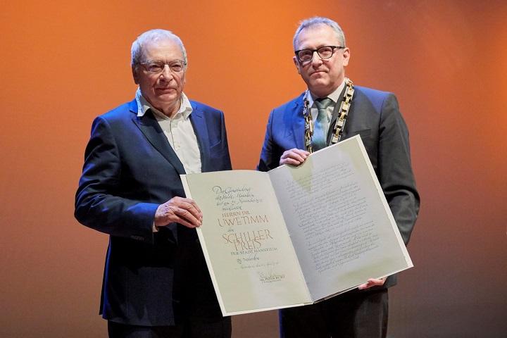 Schriftsteller Dr Uwe Timm Erhält Schillerpreis