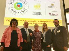 "Hemsbach trägt jetzt das Qualitätsprädikat ""Familienbewusste Kommune Plus"""